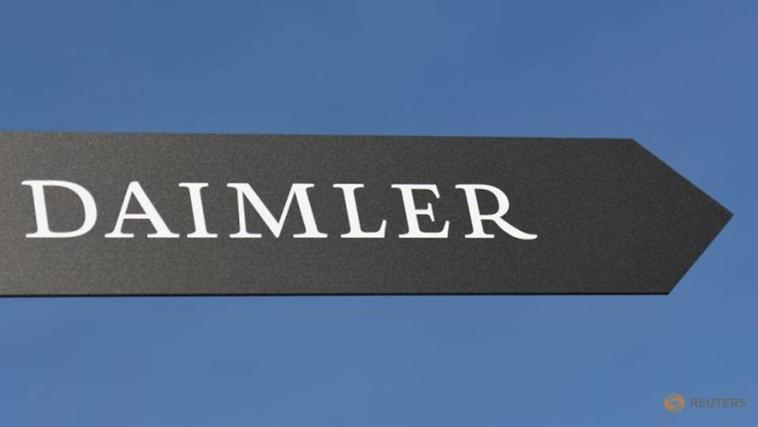 Daimler to keep 'protective hand' on truck unit after spin-off