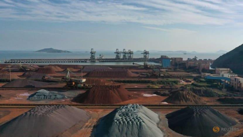 China coking coal, coke futures jump on virus concerns