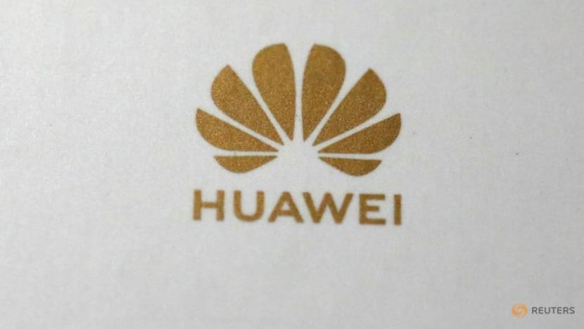 FCC votes to finalize program to replace Huawei equipment in U.S networks