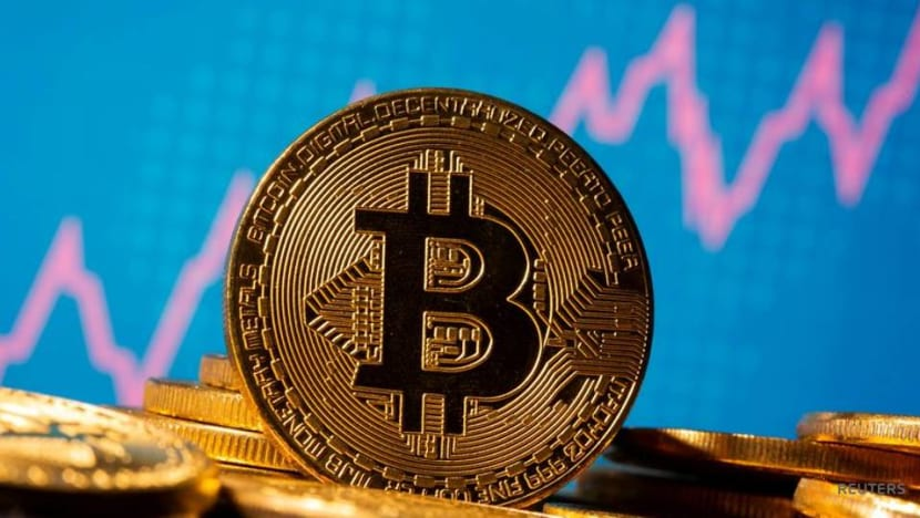 Bitcoin rallies above US$30,000 for first time