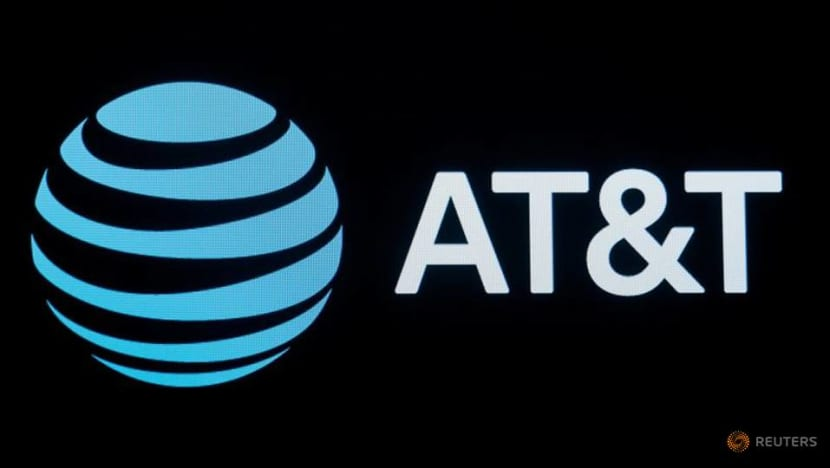 Apple, AT&T ask for tough protection for data in Google lawsuit