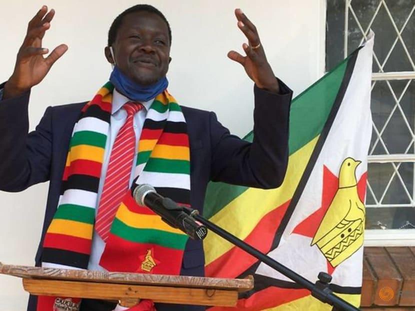 Comedian mocks Zimbabwe's government, despite fear of reprisal