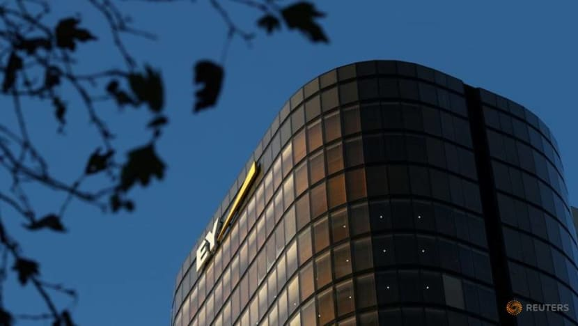 Big Four auditors' fees boosted by continued UK blue-chip dominance