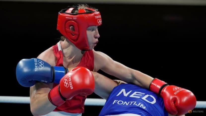Olympics-Boxing-La Cruz takes heavyweight gold as Cuba rule ring in Tokyo