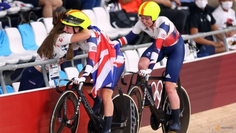 Olympics-Cycling-Kenny seals historic fifth gold, Lavreysen sprints to glory