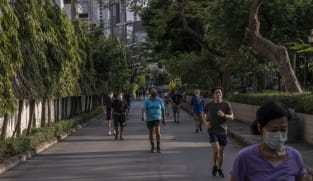 How much exercise do we need to live longer? And how much is too much?