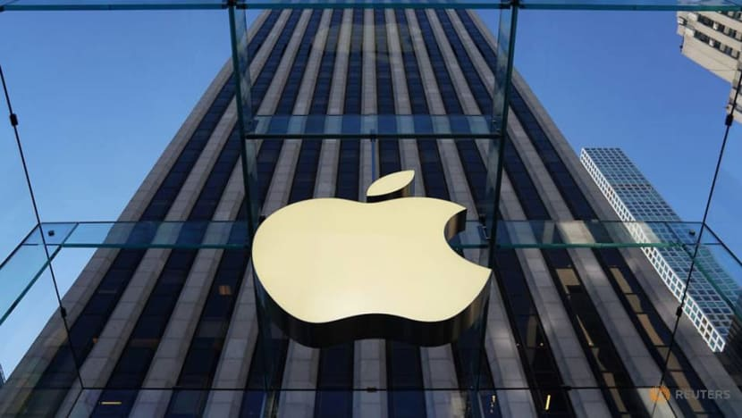 Russian man sues Apple for 'turning him gay'