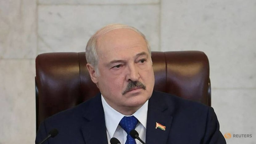 Lukashenko bets on annexed Crimea opening its sky for flights from Belarus