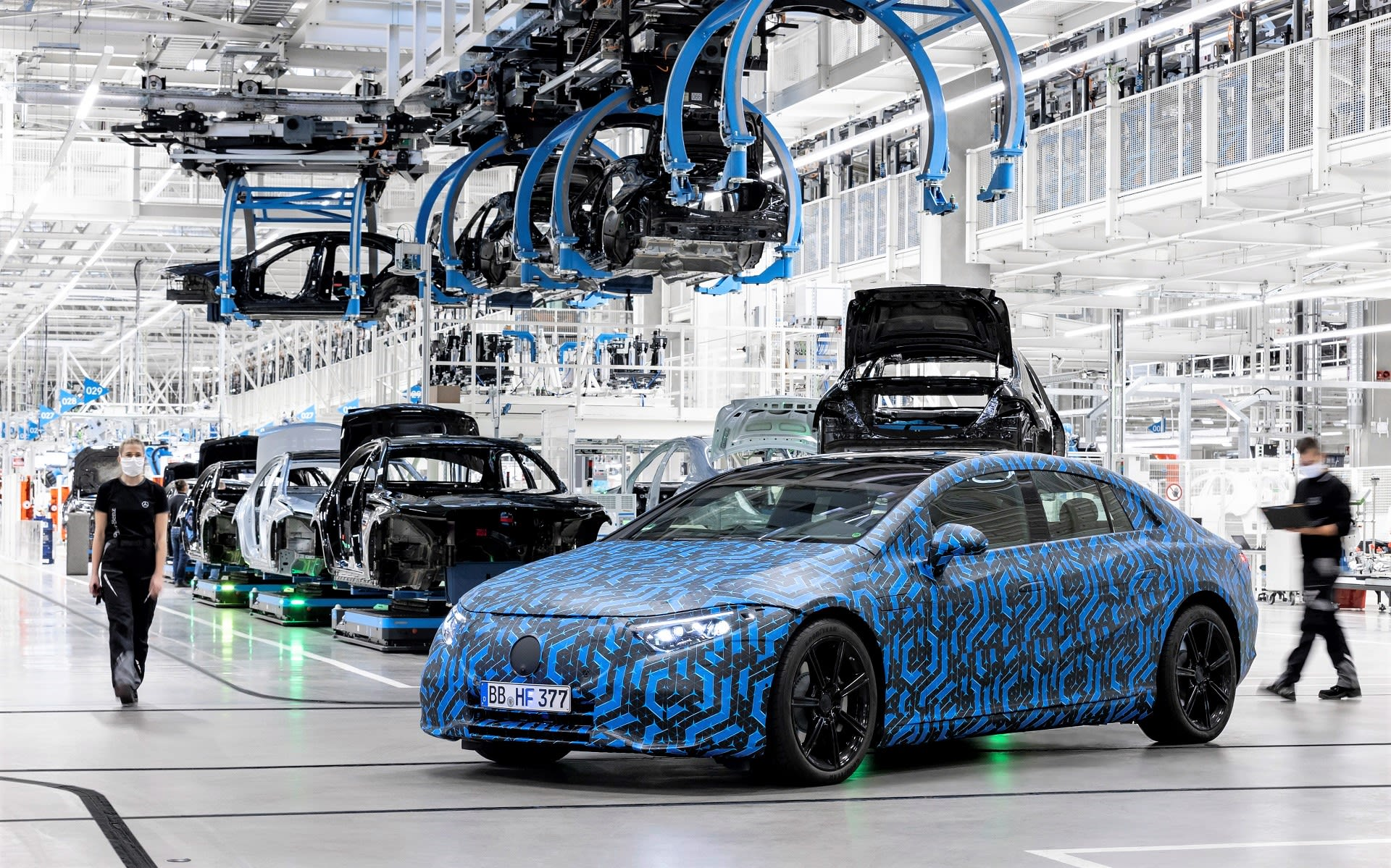 Mercedes-Benz revs up to sustainable mobility
