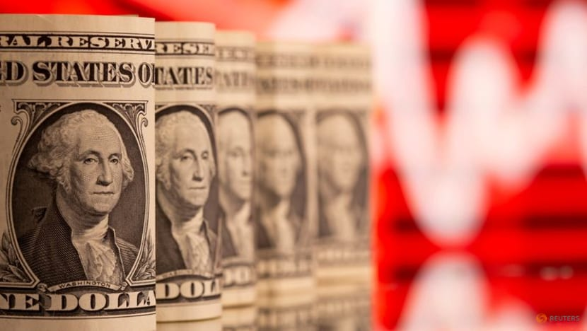 Dollar perks up to trade above one-week low on Delta variant fears