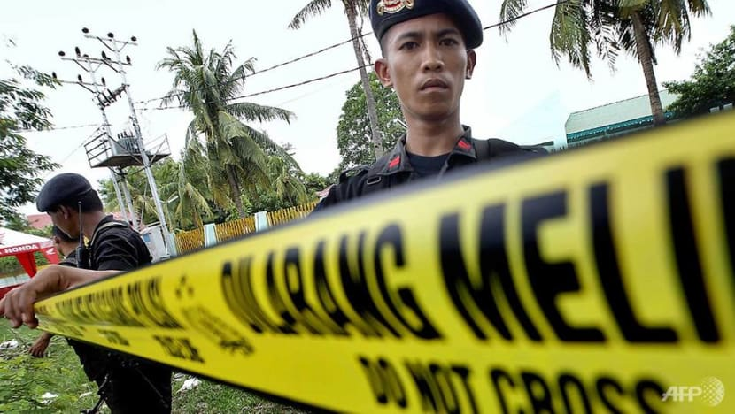 Indonesia police hunt suspected IS-linked militants after four killed