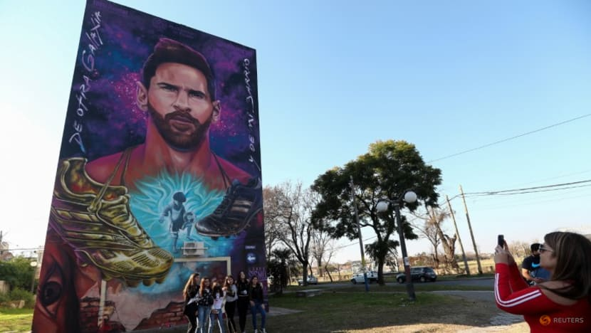 Soccer-Messi heads to Paris and, in Rosario, a dream dies for now