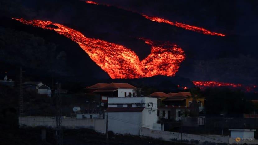 Volcano lava forces more evacuations in Spain's La Palma